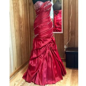 Pageant Dress/ Formal Gown/Homecoming Court Dress